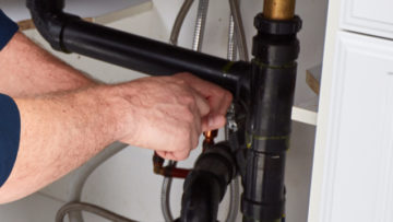 7 Questions to Ask Before Hiring a Plumber